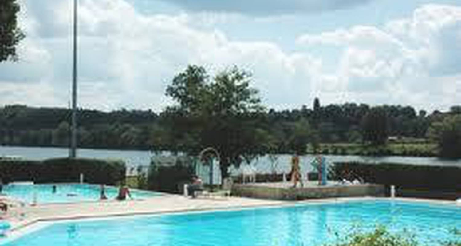 Camping pitches: camping du bassin nautique in trémolat (103002)