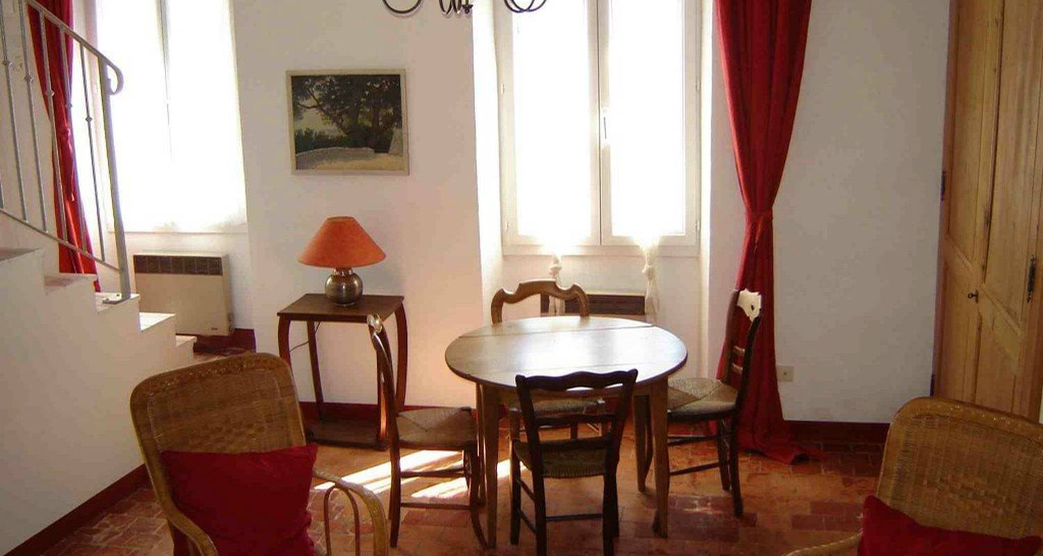 Furnished accommodation: appartement plein sud  in nyons (103320)