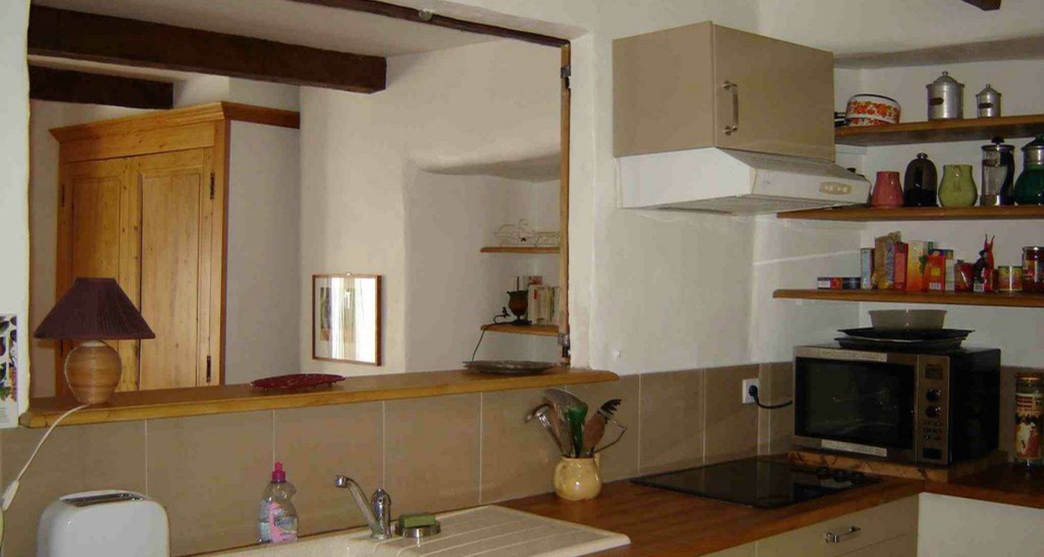 Furnished accommodation: appartement plein sud  in nyons (103323)