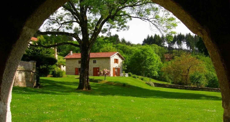Gîte: gîte du parc à montvianeix in saint-victor-montvianeix (103459)