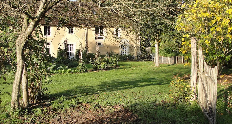 Bed & breakfast: la grande maison in saint-fulgent-des-ormes (131498)