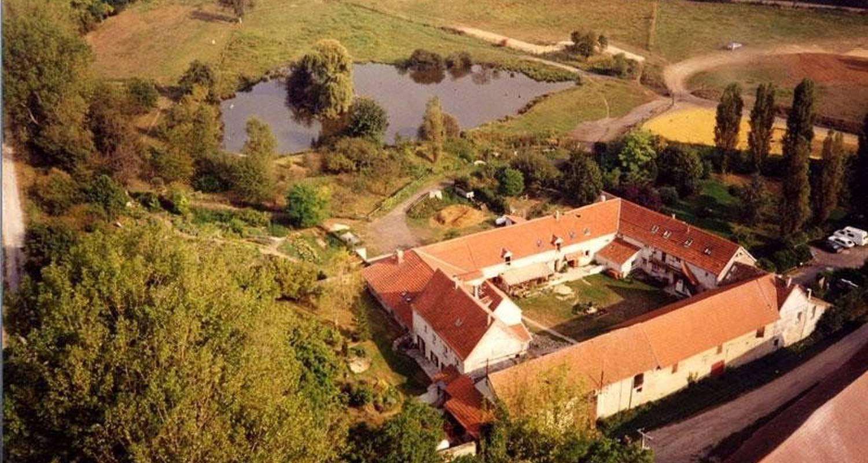 Gîte: ferme des moulineaux in bailly (103922)