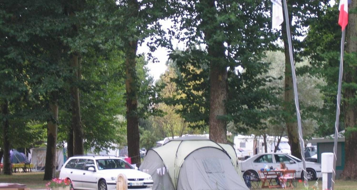 Camping pitches: camping belle rivière in chaniers (104302)