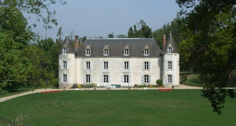 Bed & breakfast: château de la ville-huë in guer (104821)