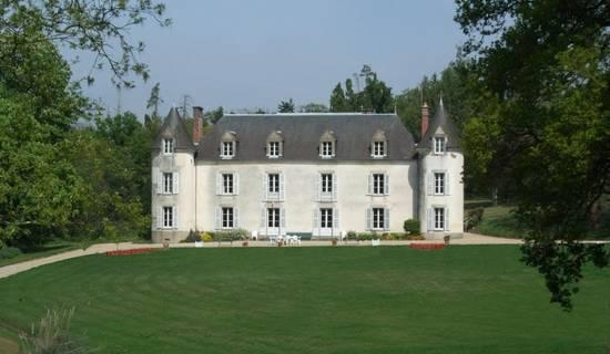 Château De La Ville-Huë picture