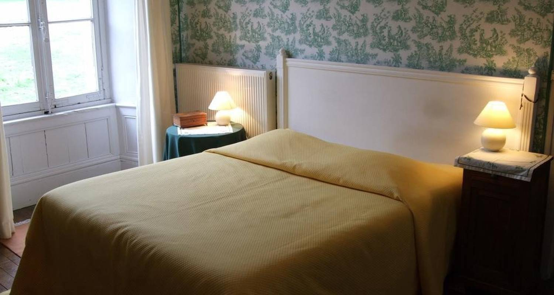 Bed & breakfast: château de la ville-huë in guer (104822)