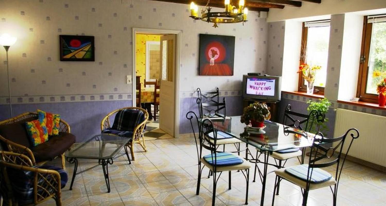Furnished accommodation: gite chez jo  in longchamp-sur-aujon (104906)