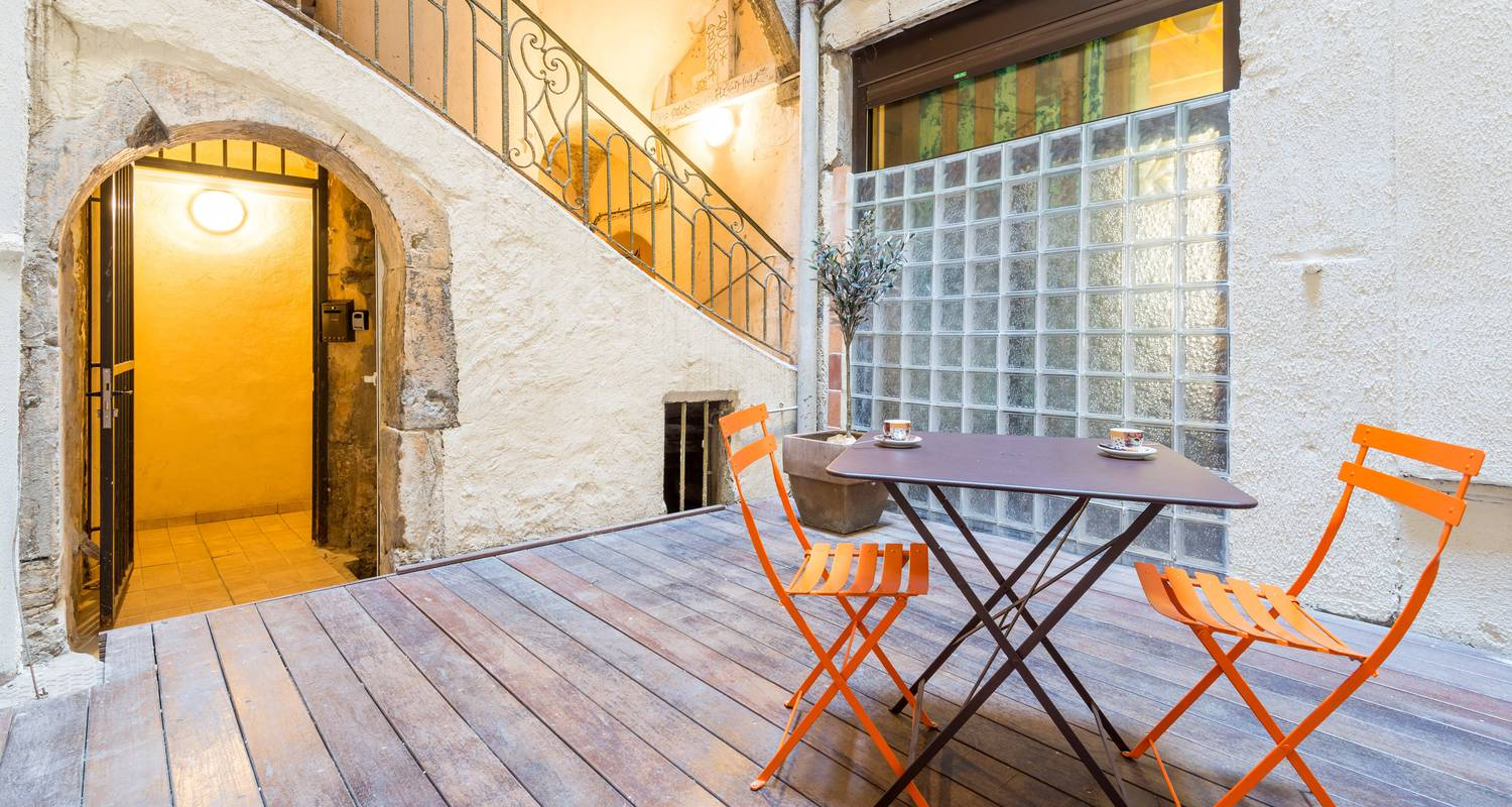 Furnished accommodation: la grande cote in lyon (105120)