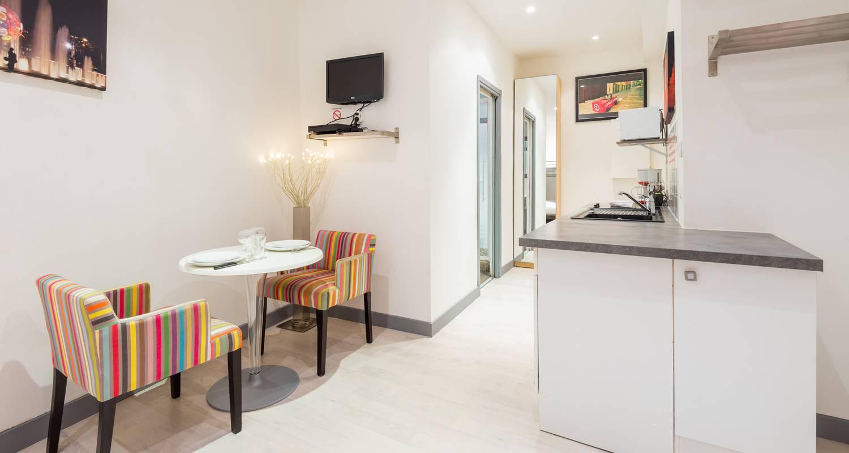 Furnished accommodation: la grande cote in lyon (125054)
