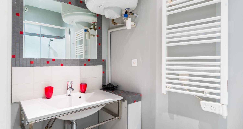 Furnished accommodation: la grande cote in lyon (125057)