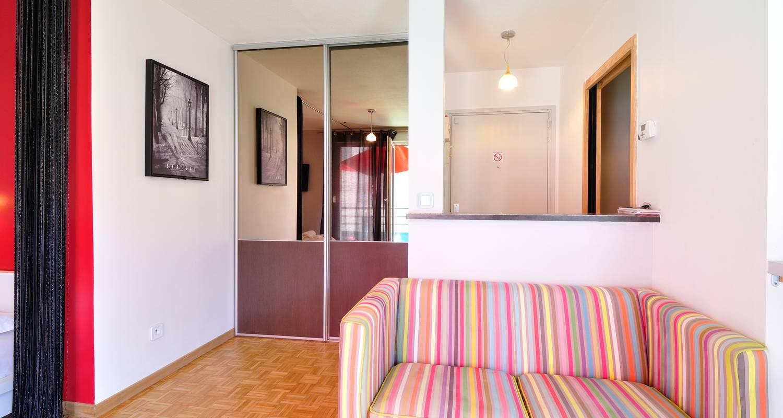 Furnished accommodation: la halle in lyon (125038)