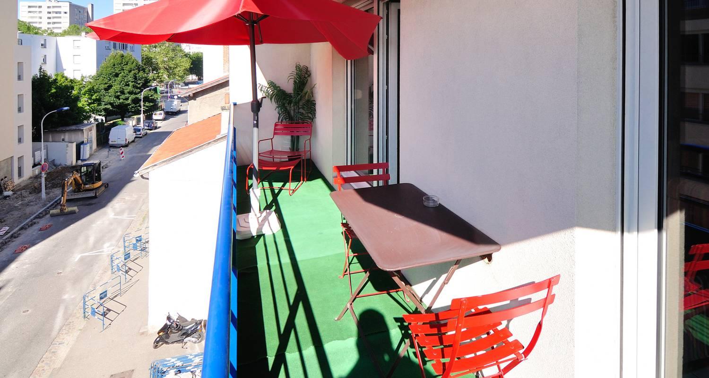 Furnished accommodation: la halle in lyon (125046)