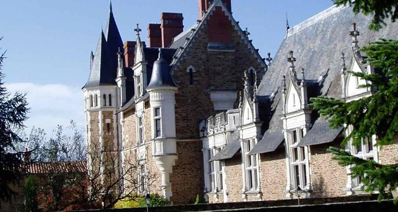 Chateau de la colaissiere champtoceaux 24633 for Chateau de la colaissiere