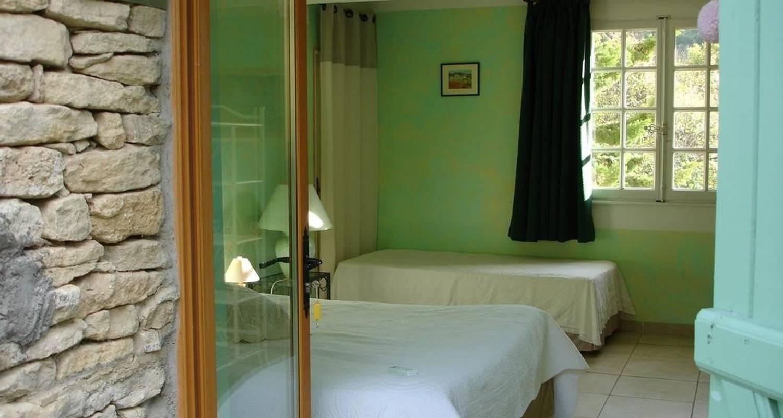 Hotel: domaine de la grange neuve in la roque-sur-pernes (105741)