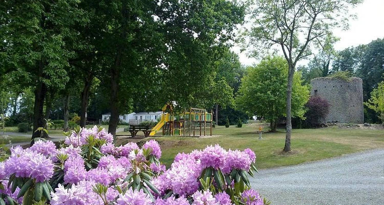 Camping pitches: camping balcon de la baie in saint-marcan (105748)