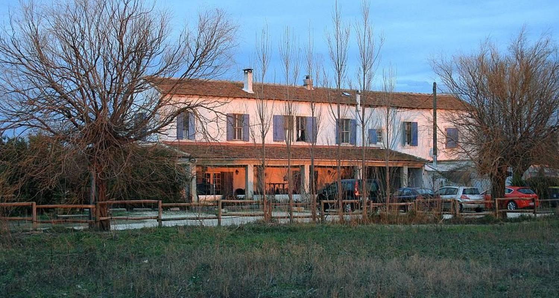 Hotel: auberge des plaines en arles (105923)