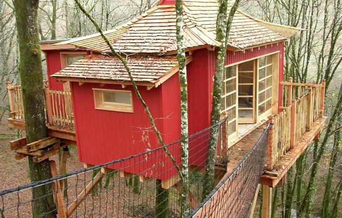 Cabanes Perchées Dordogne