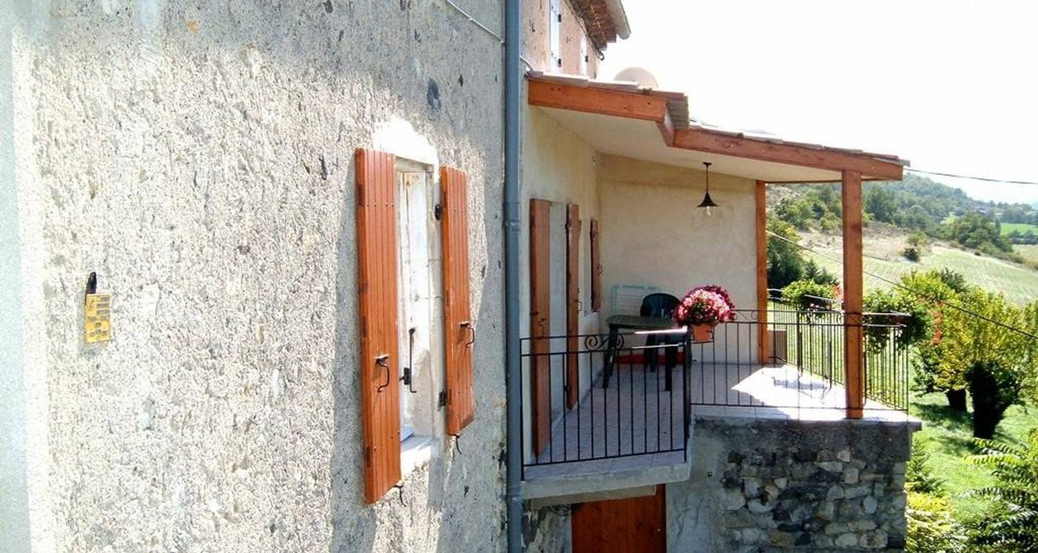 Furnished accommodation: la maison de l'arceau in saint-vincent-de-barrès (105965)