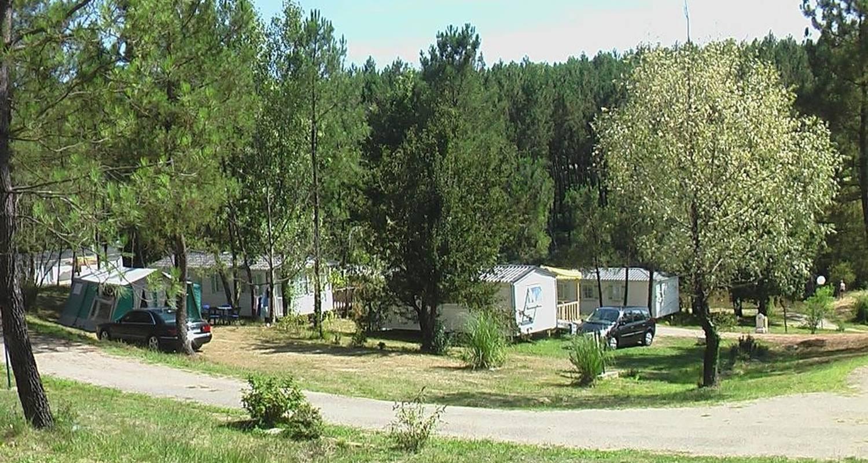 Camping pitches: l'étang de bazange in monfaucon (106003)