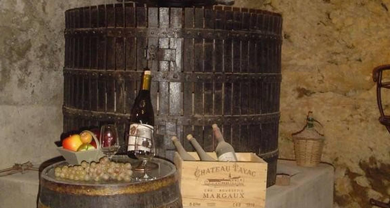 Chambre d'hôtes: le pressoir  pépé emilien  à chomérac (106011)
