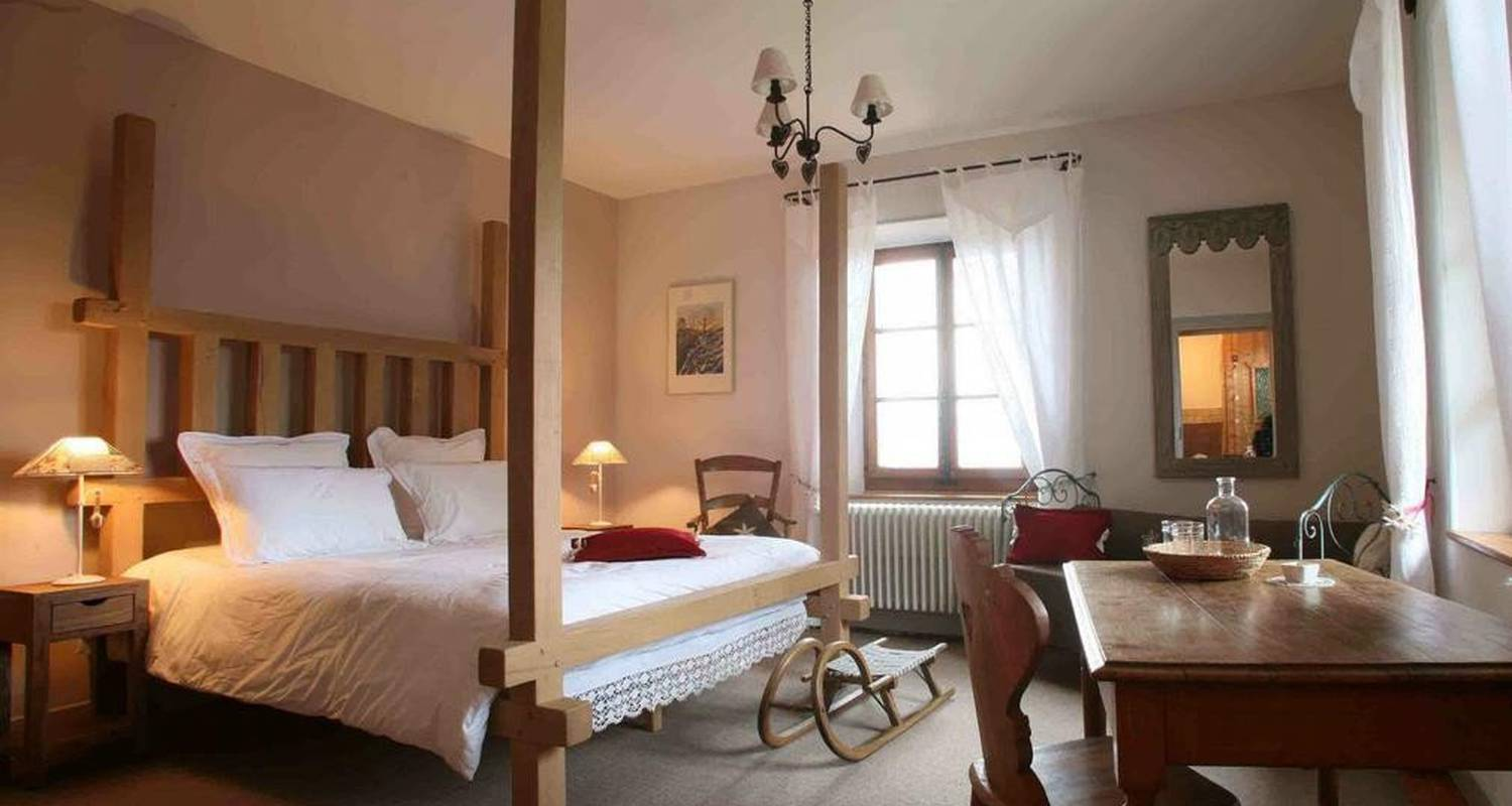 Bed & breakfast: la maison des pins in saint-jorioz (106061)