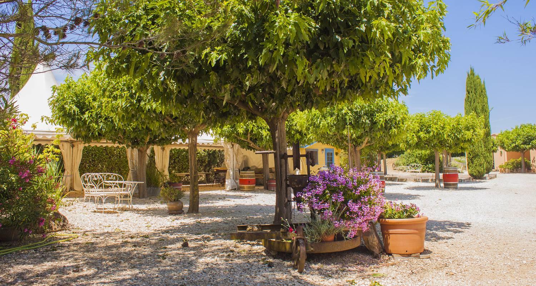Gîte de groupe: le mas des sagnes hébergement et accueil de groupe 48 couchages à collias (106130)