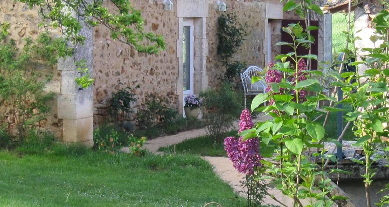 Bed & breakfast: les vignes in marillac-le-franc (106162)