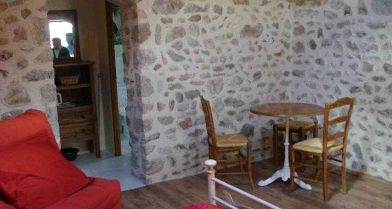 Chambre d'hôtes: le clos de pierres à évaux-les-bains (106871)