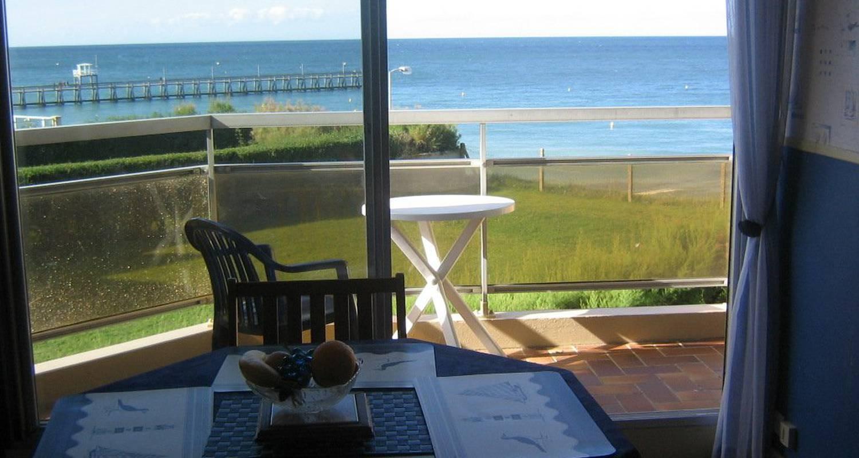 Logement meublé: vacance vue dégagée mer  à luc-sur-mer (107014)