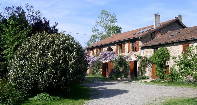 Chambre d'hôtes: la ferme de leychoisier à bonnac-la-côte (107094)