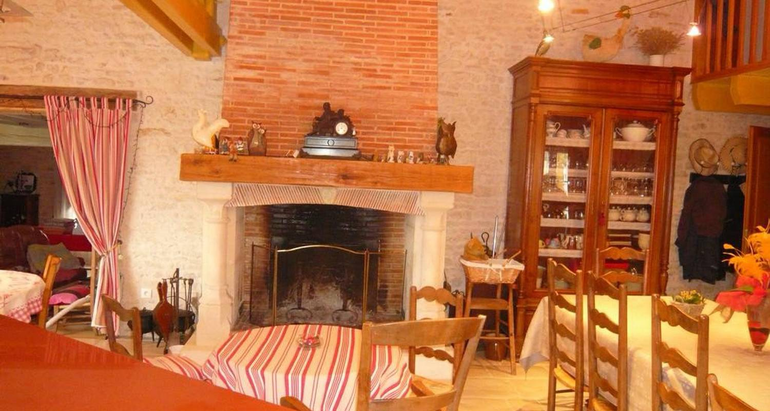Bed & breakfast: les chouettes in angliers (107154)