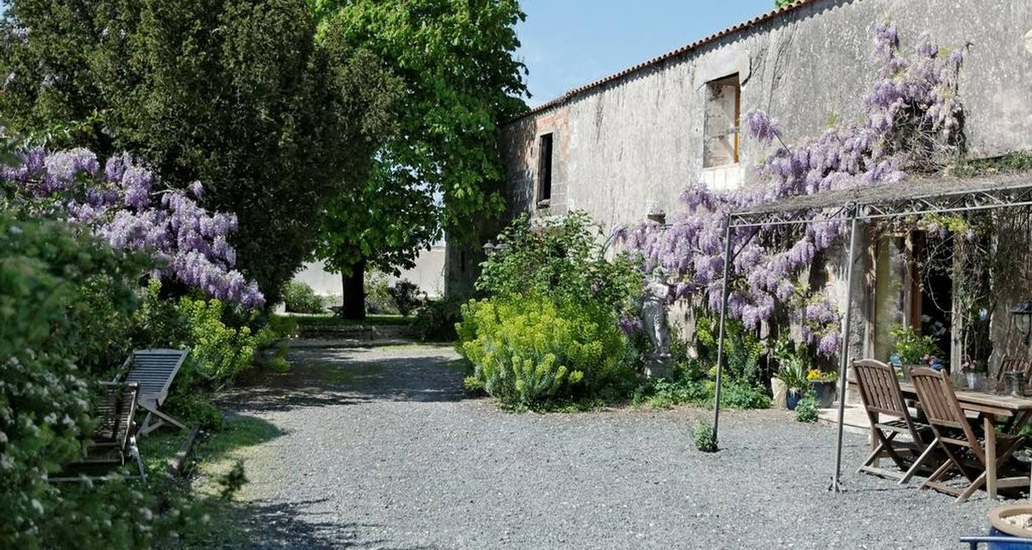 Bed & breakfast: le clos de beauregard in marans (107270)