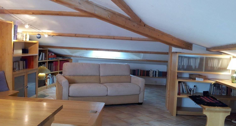 duplex terrasse et garage avignon 25157. Black Bedroom Furniture Sets. Home Design Ideas