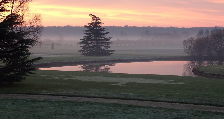 Chambre d'hôtes: les chambres du golf à vievy-le-rayé (107828)