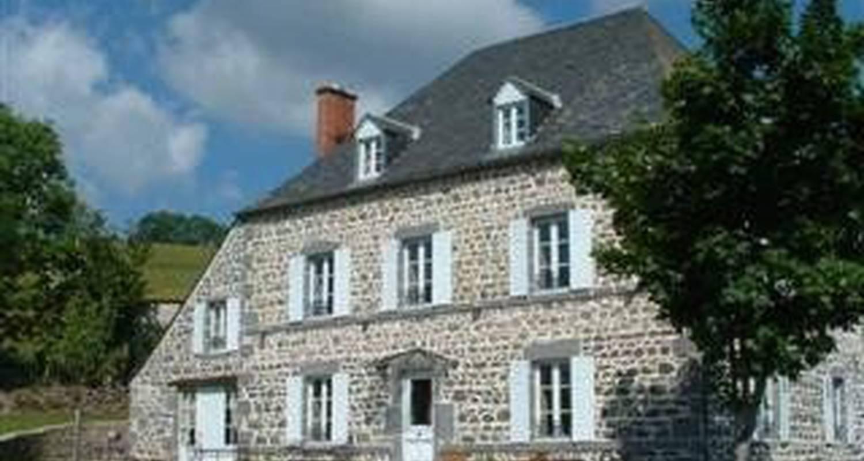 chambre d'hôtes la nichée à rochefort-montagne - 25371
