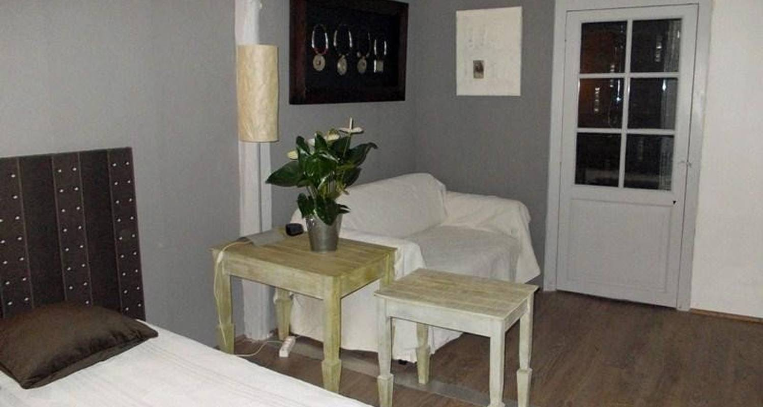 Bed & breakfast: les pierres blanches in mauvezin (108143)