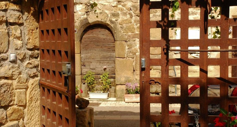 Chambre d'hôtes: maison de marius à quézac (108233)