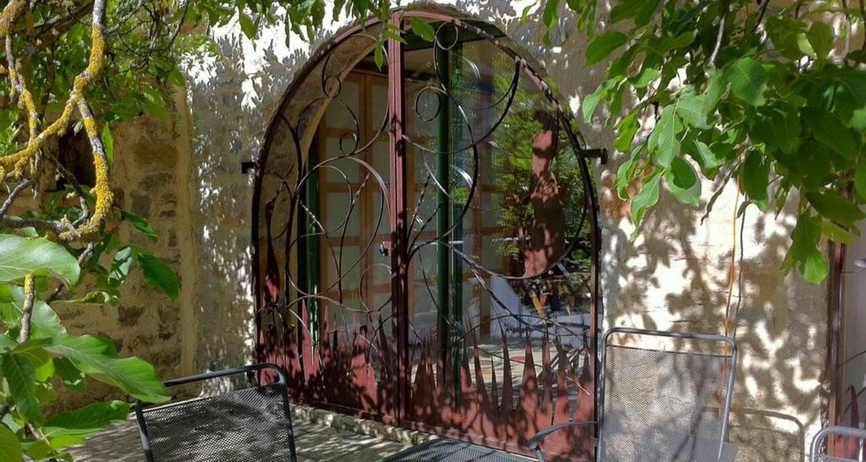 Chambre d'hôtes: maison de marius à quézac (108235)