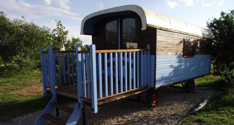Habitación de huéspedes: la roulotte des amis en ousson-sur-loire (108683)