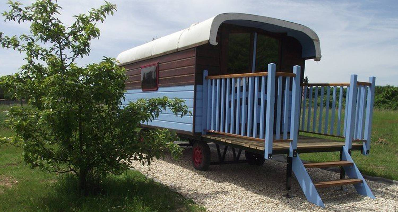 Habitación de huéspedes: la roulotte des amis en ousson-sur-loire (108684)