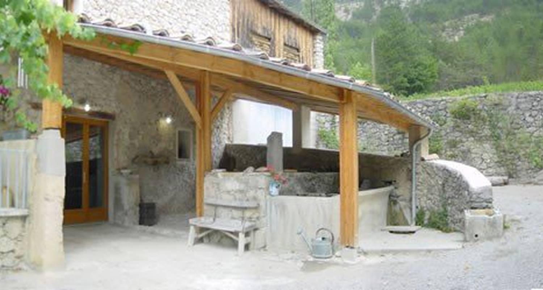 Chambre d'hôtes: ferme de la source à ponet-et-saint-auban (108933)