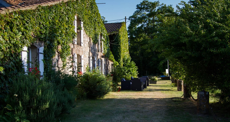 Gîte: les prés de joussac in jau-dignac-et-loirac (131127)