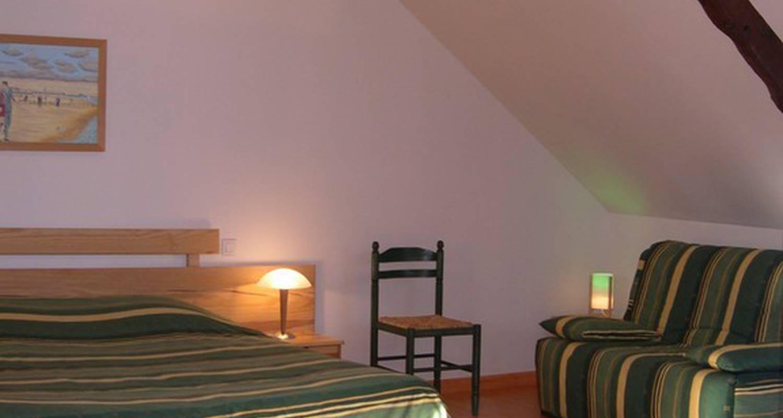Chambres d 39 h t la hirlais baguer morvan 25758 for Chambre hot