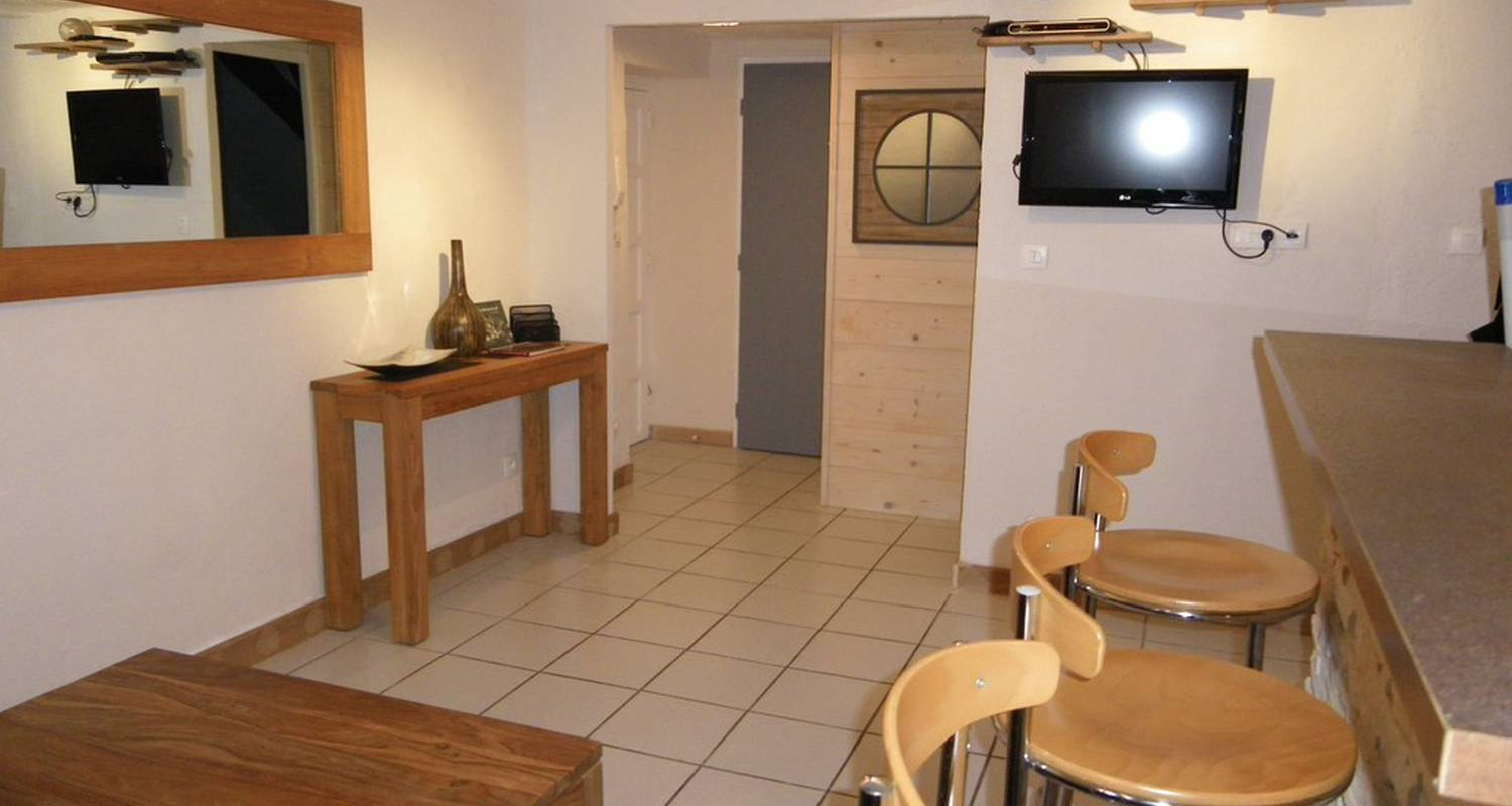 Furnished accommodation: la gouzotte in dijon (109535)