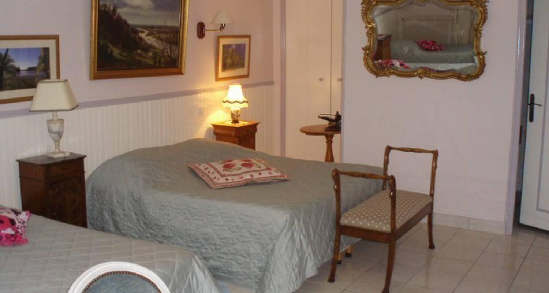 Chambre d'hôtes: chambres d'hotes lambert à saint-jean-du-cardonnay (109588)