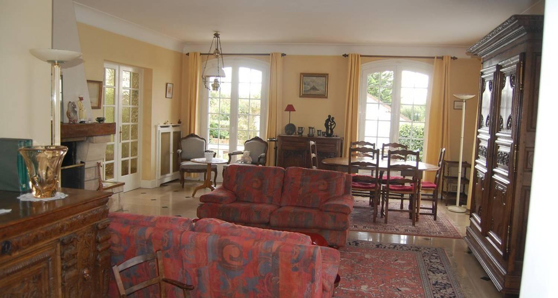 la grande maison bayeux 25796. Black Bedroom Furniture Sets. Home Design Ideas