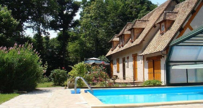 Habitación de huéspedes: l'orée du bois en houlbec-cocherel (110031)