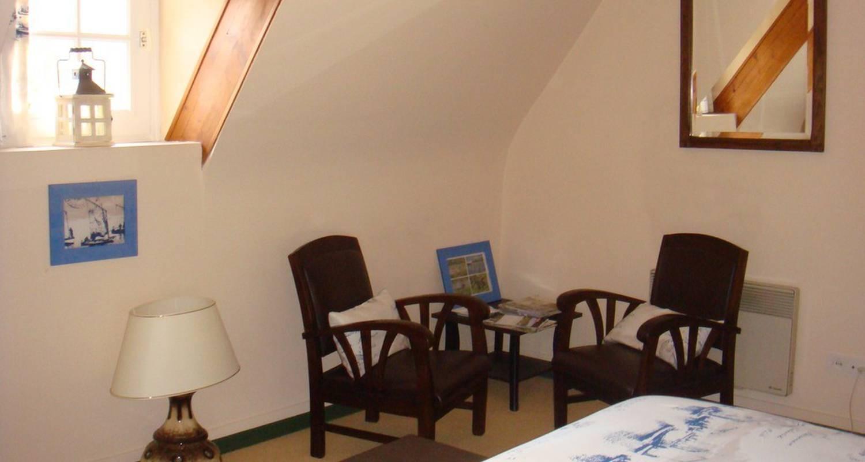 Habitación de huéspedes: l'orée du bois en houlbec-cocherel (110033)