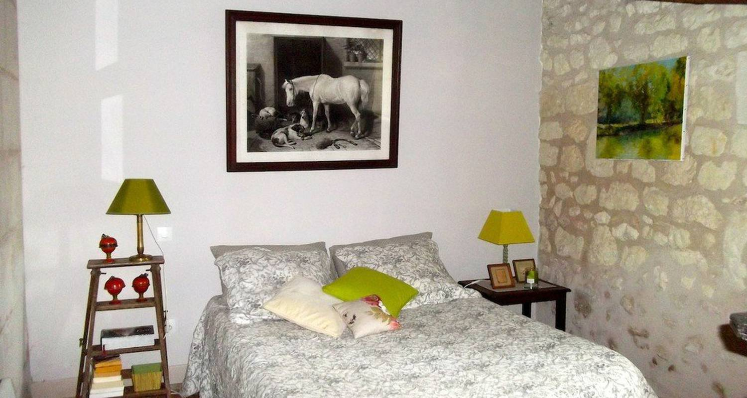 Bed & breakfast: le petit colombier in châteauvieux (110075)