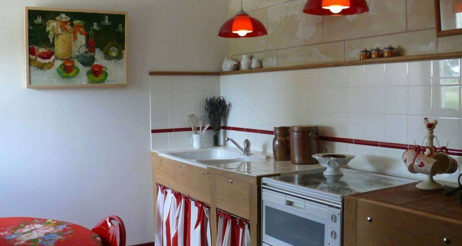 Bed & breakfast: le petit colombier in châteauvieux (110077)